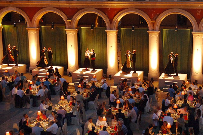 EVENTS AND GALA DINNERS